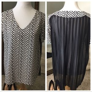 BELLATRIX top,blouse chevron, black and white. med